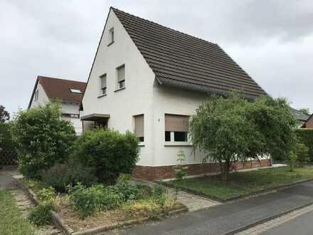 Freistehendes Einfamilienhaus für die junge Familie in bevorzugter Lage von Bornheim-Sechtem mit EBK