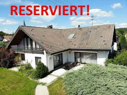 ++RESERVIERT++Großzügiges Haus in schöner Lage von Schömberg