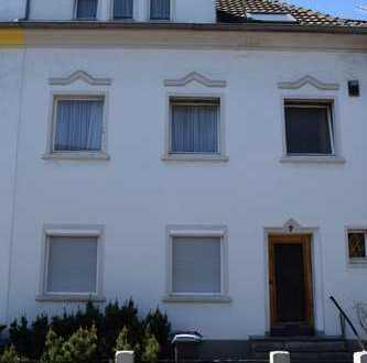 Oase in Porz City - sanierungsbedürftiges Reihenmittelhaus in Toplage