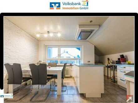 Schönes Zweifamilienhaus mit Einliegerwohnung in Grünwettersbach
