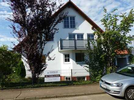 Neu renovierte Dachspitzwohnung mit Einbauküche in 89438 Holzheim