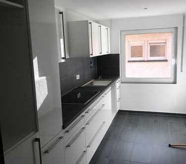 Erstbezug nach Sanierung: stilvolle 2-Zimmer-Wohnung mit Einbauküche und Balkon in Karlsruhe