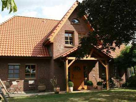 Exklusives Einfamilienhaus im Landhausstil