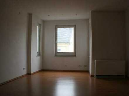 Gut geschnittene 2 Zimmer- Wohnung!