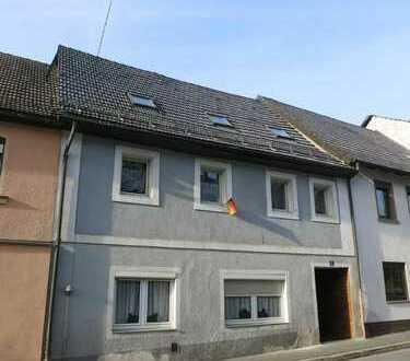 Mehrfamilienhaus bei Kulmbach für kleines Geld
