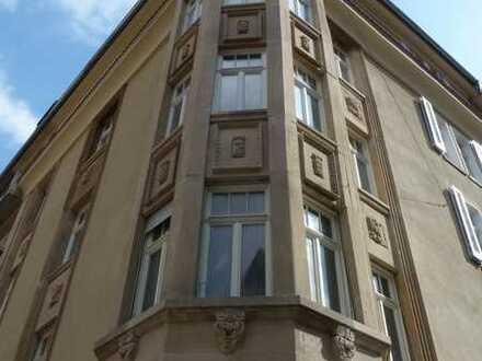 Tolle 5-Zimmer Wohnung in S-Süd, Nähe Heusteigviertel !-DENKMALGESCHÜTZTES HAUS