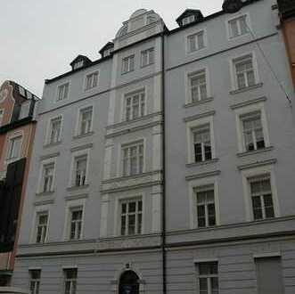 3 Zi.-Altbauwohnung mitten in Schwabing an der Münchner Freiheit