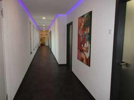 Moderne Büro/Praxisräume, nahe Autobahnanschluß Burgau, zu vermieten!