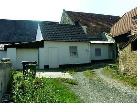 Kerzenheim, Landhaus im Bungalowstil, ruhig, Hoffläche, Garage, preiswert