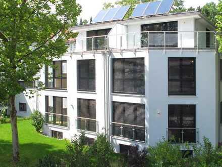 Wohnen am See: Moderne, sonnige DHH in Seenähe