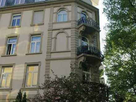 Westend: 5 Zi. StilAB, 3. OG, sehr hell, Balkon, 2 Tgl-Bäder, Stuck, Parkett, Flügeltüren
