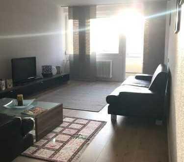 Möhringen. Renovierte, lichtdurchflutete 3-Zimmer Wohnung mit Balkon