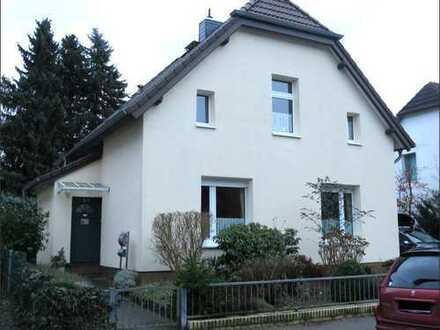 Schönes Haus mit sechs Zimmern in Hamburg, Rahlstedt