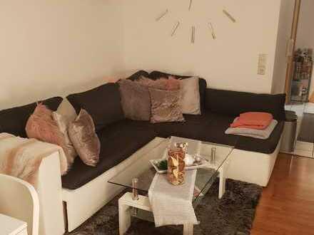 Ansprechende 2-Zimmer-Wohnung mit Einbauküche und Terasse+Wintergarten in Plochingerstrasse, Köngen