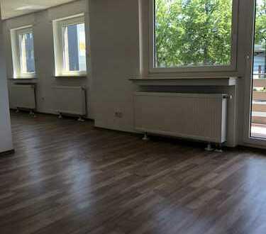 Erstbezug nach Sanierung: Großzügiges Studio mit Balkon in Duisburg-Rumeln