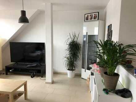 Moderne 2-Zimmer-DG-Wohnung mit Einbauküche in Mittelbiberach