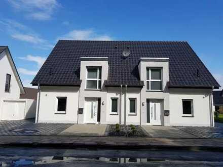 Lichtdurchflutete Doppelhaushälfte in Bielefeld – Brackwede, sofort bezugsfrei !!