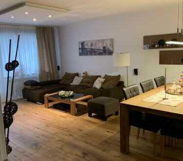 3-Zimmer-Wohnung modernisiert mit Balkon, Einbauküche, Garage und Stellplatz
