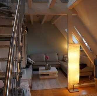 Stilvolle 3 Zimmerwohnung mit Galerie im kernsaniertem Altbau.