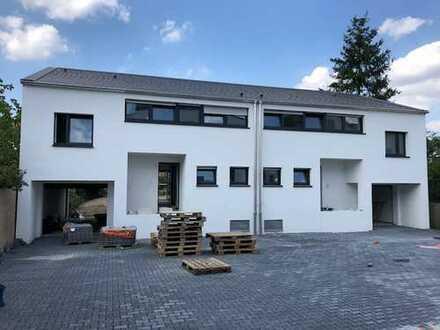 1.400 €, 130 m², 4 Zimmer