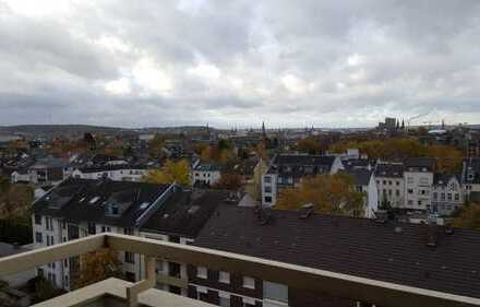 Stilvolle 2,5-Zimmer-Wohnung mit Balkon und Einbauküche in Bonn-Beuel