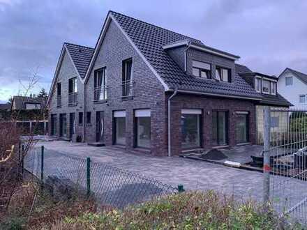 Schönes Haus mit Marmorfliesensteinzeug, sieben Zimmern in Düsseldorf, Unterrath
