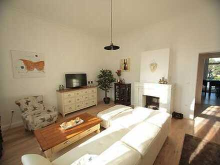 Exklusive und komplett möblierte 3 Zimmer-Wohnung in einer sanierten Altbauvilla in B.O. - Zentrum