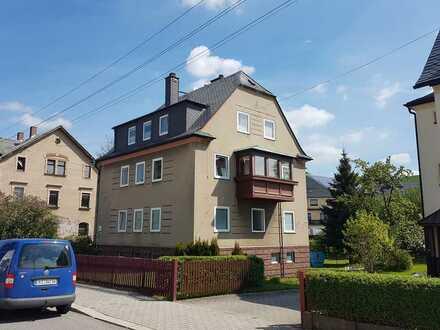 Freundliche, modernisierte 4-Zimmer-Wohnung in Auerbach