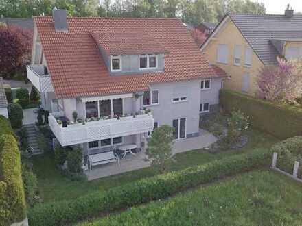 Idyllisches, ruhiges Wohnen mit viel Licht, grosser Terrasse und schönem Garten - 83m2 Nutzfläche