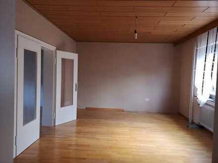 Gepflegte Wohnung mit drei Zimmern und Balkon in Idar-Oberstein
