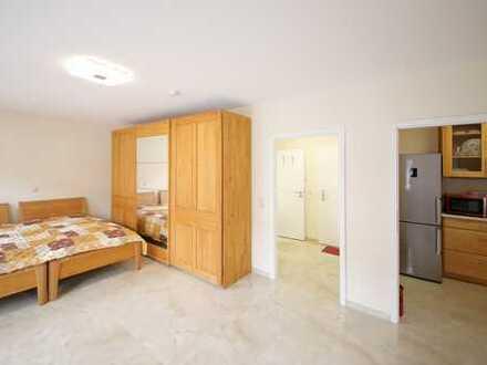 Kapitalanlage oder Selbstnutzung im Betreuten Wohnen: Schöne, komplett renovierte 1-Zimmer-Wohnung