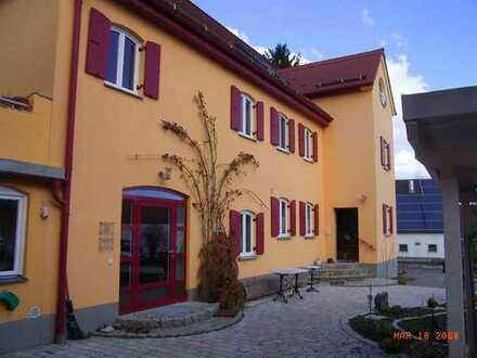 Box und Bude, 2-ZKBmF mit Terrasse u. Offenstallplatz