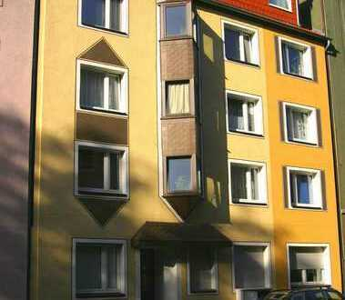2,5 Zimmer-Wohnung mit Balkon am Rande des schönen Ehrenfelds