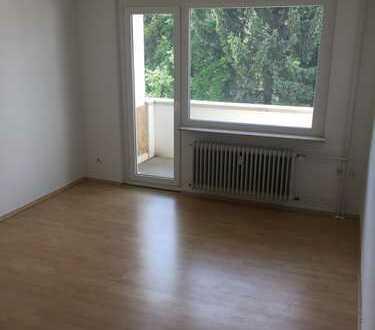 400 €, 60 m², 2 Zimmer
