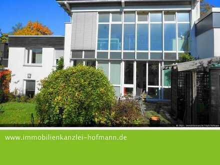 Kettenhaus mit besonderem Charme - Raumwunder mit Lichtblick