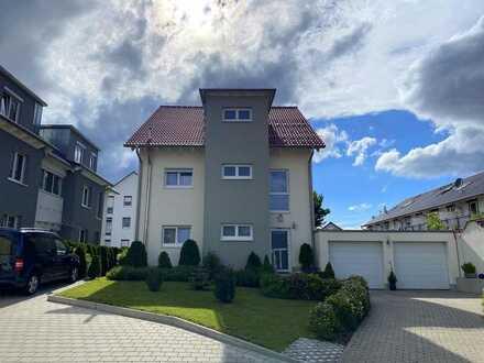 Modernes 3-Familien-Haus in Neubaugebiet