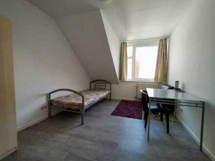 schönes Zimmer im Studentenwohnheim