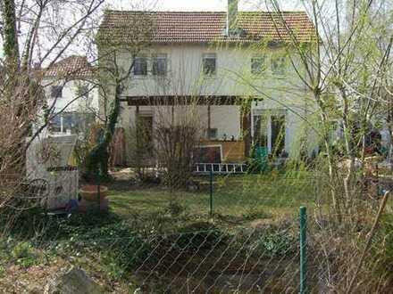 Keine Käuferprovision! - Immobilie mit idyllischem Garten & Teich