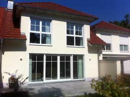 Schönes, geräumiges Haus mit drei Zimmern / Dachterasse in Landsberg am Lech