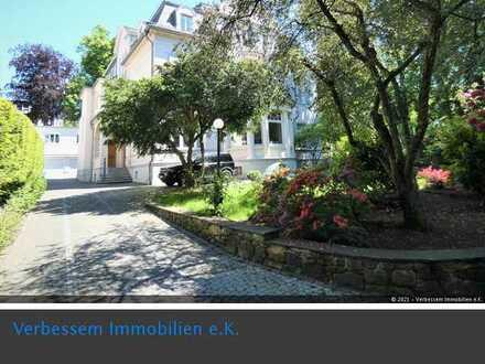 Herrschaftliche große 5-ZI-Whg in Altbauvilla mit parkähnlichem Garten, WI-Ost