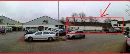 Ebenerdige Ladenfläche an ortszentralem Standort mit Vollsortimenter und Drogeriemarkt!