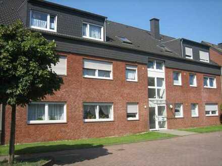 DG-Wohnung mit Balkon in ruhiger Seitenstraße
