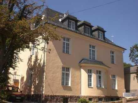 Exklusive 1,5-Zimmer-DG-Wohnung mit gr Balkon in Leisnig, Seniorengerecht