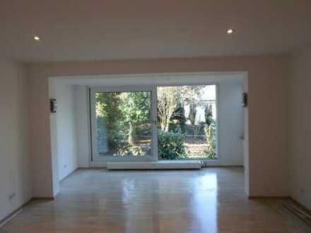 Von Privat ! Top ausgestattete 2-Zimmer-Erdgeschosswohnung mit neuwertiger Einbauküche in M-Baumberg