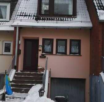 Reihenmittelhaus mit vier Zimmern und Einbauküche in Mittelshuchting, Bremen