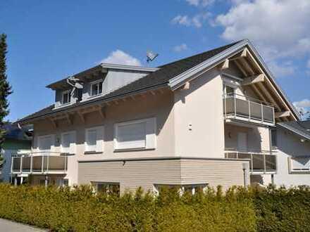 Eine Klasse für sich!  Beneidenswert schönes Wohnen  3-Zimmer DG-Wohnung in Bestlage!