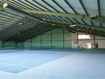 RE/MAX - Tennis-, Sport- oder Lagerhalle zu verkaufen !