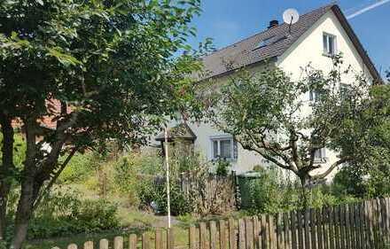 TOP Immobilie: freistehendes Einfamilienhaus mit Garage und großer Scheune
