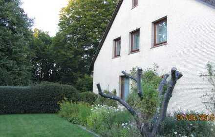 Leben am Park - Großzügige Erdgeschosswohnung/Haushälfte in Düsternbrook mit Blick in den Park