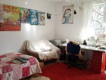 Helles, möbliertes 18,5 m2 Zimmer in Uninähe mit Bakon
